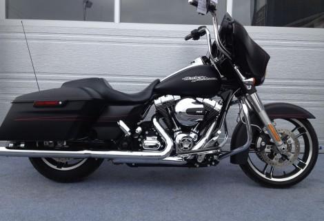 2014 Harley FLHXS 24,495$