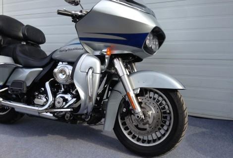 2011 Harley FLTRU 17,495$