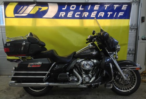 2009 Harley FLHTCU 14,495$