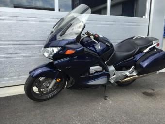 00-2004 honda st1300 bleu 66112 km 64956 (2)